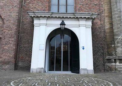 Automatische schuifdeuren maatwerk schuifdeur kerk te Brielle